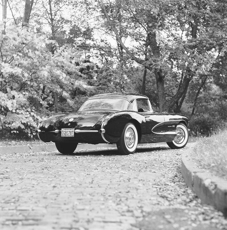 '57 Corvette (pic by GM)