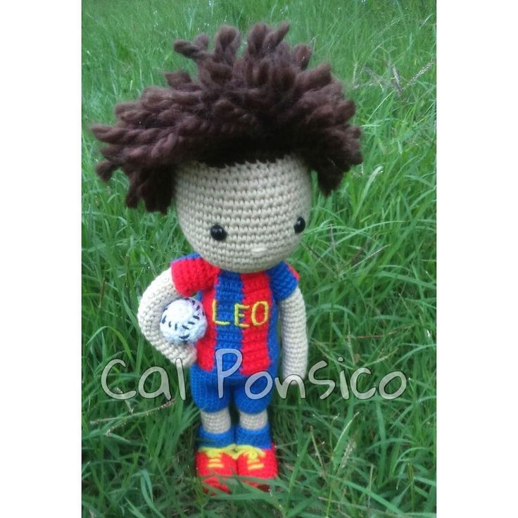 #CalPonsico #amigurumi #amigurumidoll #amigurumiaddict #handmade #hechoamano #hechoconamor #mimuñecadeganchillo #mycrochetdoll #muñeca #doll #ganchillo #ganchillera #ganchilleando #ganchilloadicta #crochet #crochetdoll #crochetofinstagram #instacrochet #instaganchillo #futbol #futbolista #football by marina.capdevila