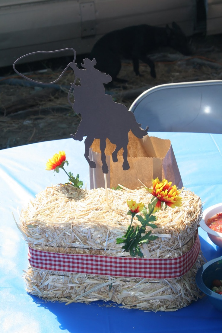 Craftin' and Stuff in Cali: Cowboy Table Centerpieces