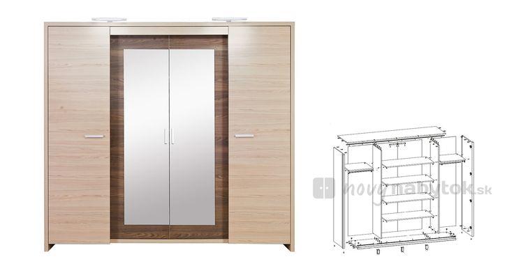 Veľká štvordverová šatníková skriňa sa vyznačuje kombináciou zásuvných a otváracích dverí. Po stranách sa nachádza vešiaková časť, pričom v strede sa nachádzajú police. Je dodávaná s veľkým zrkadlom na stredných dverách.