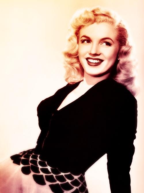 Marilyn Monroe, early in her career. <3