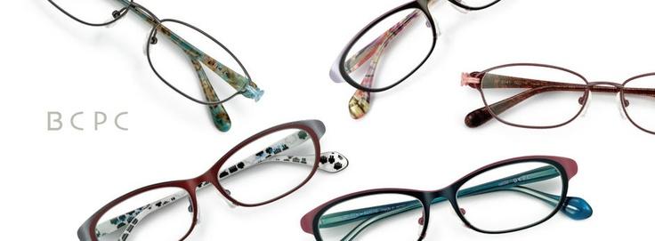 About 眼鏡フレームの国内生産が実に90%を占める福井県鯖江市。その地に本社を構え、正当なものづくりを基本に美しく、 高品質で、機能的な眼鏡づくりに取り組んでいるのがBOSTON CLUBです。 JAPONISM、BCPC、MUGUETのオリジナル3ブランドを展開しています。