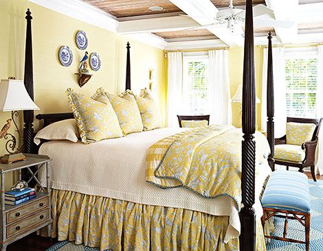 Interior designer Todd Richesin uses sunny Scalamandre linen toile to dress the Hickory Chair's cane chairs and the bed. Photo: Werner Straube