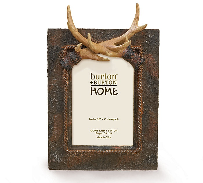 Our #burtonandburton Deer Antlers Picture Frame is great for the lodge or the man cave. #hunting_gifts #hunter #rustic