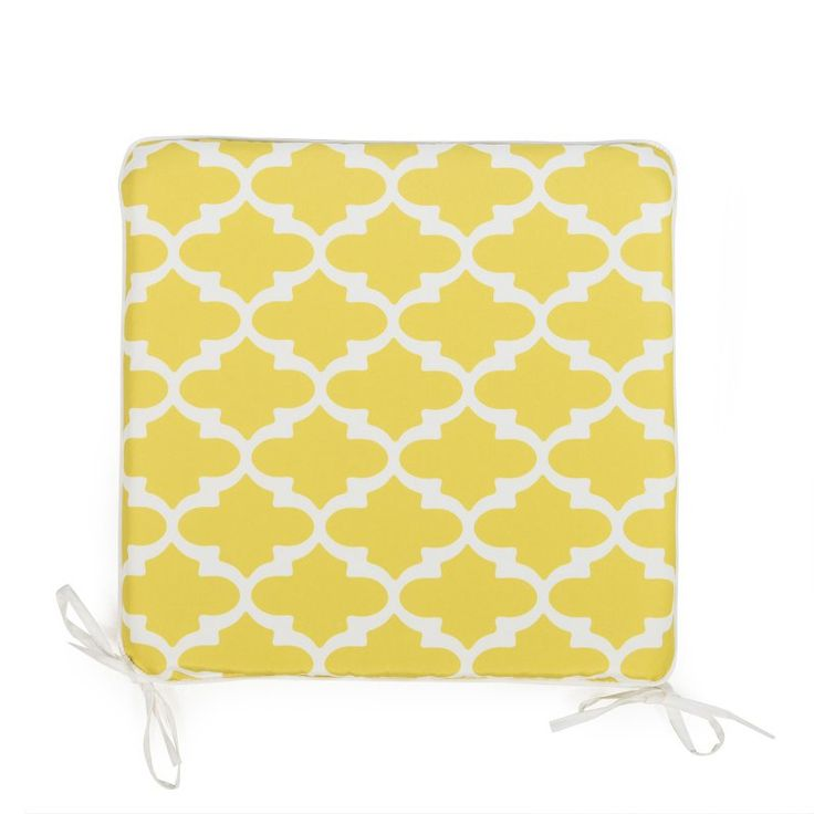 Coral Coast Lakeside 17 x 17 in. Outdoor Furniture Seat Pad Chartreuse Yellow Quatrefoil - TRENDM020-PC127-YELLOWQF
