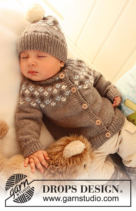 "First Snow / DROPS Baby 19-2 - Set comprises: Knitted DROPS jacket with raglan sleeves and turtle neck, hat with pattern and socks with pattern in ""Merino Extra Fine"". - Free pattern by DROPS Design"