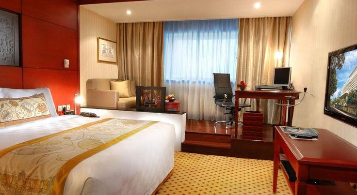 BOROBUDUR HOTEL