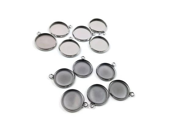 Stainless steel silver round pendant tray with loop  Cabochon