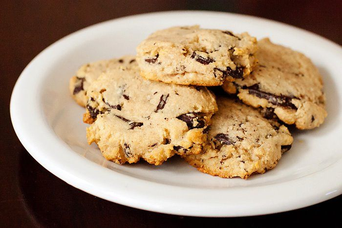 Gluten free, low carb, keto friendly chocolate chip cookies! Only 2 net grams of carbs.