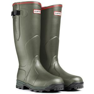 Hunter Balmoral Neoprene 3mm Wellington Boot from ArdMoor for the perfect wellie boot choice for both gents and ladies offering enduring protection and optimum leg protection whatever the weather or terrain.  Buy online now