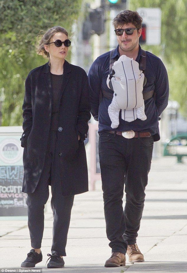 Marcus Mumford and Carey mulligan with their daughter Evelyn