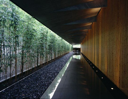 Urban oasis: After a 3 1/2-year renovation, the new Nezu Museum, now a minimalist space with glass walls, lines of bamboo thickets and pebble-lined paths, opened to the public on Oct. 10.