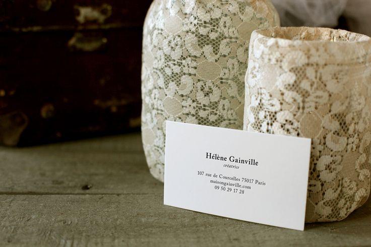 maison Gainville est une maison de couture parisienne spécialisée dans les robes sur mesure. Avec cette nouvelle identité, la maison affirme son raffinement et sa capacité à créer des pièces exceptionnelles, pour toutes les femmes.
