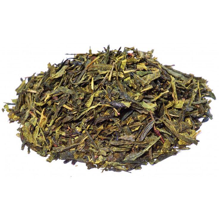 Thé Vert des 3 dragons c'est l'alliance d'un thé vert de chine Sencha et d'arôme naturel. Le thé des 3 dragons à de grandes feuilles de thé sencha, nous l'aromatisons avec de la fraise, du pamplemousse et de la vanille. Le thé est un voyage au pays des enfants. Le thé à un goût sucré, un peu acidulé. #the #vert #vanille #pamplemousse #fraise #thevertparfume #salonthe