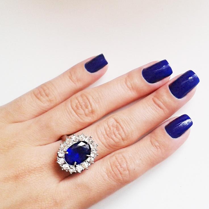 Blue Nail Varnish Uk: 1000+ Ideas About Royal Blue Nails On Pinterest