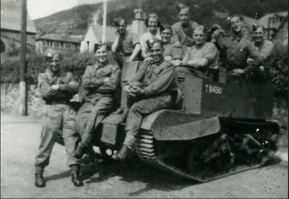 164 O.C.T.U. 1940 - 1945 Bren Gun Carrier