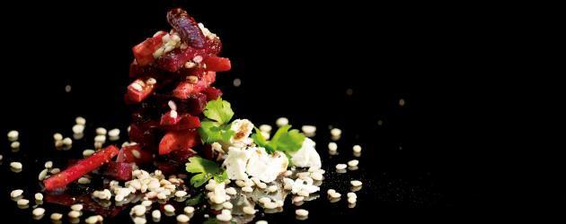 Grov sallad: Rödbets- och äpplesallad med fetaost - recept