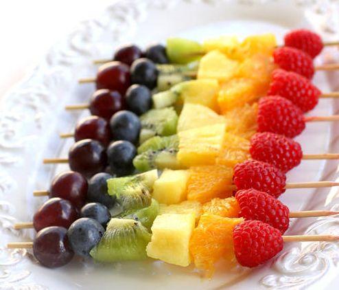 Rainbow fruit. Beautiful color. I'm loving this for a preschool snack idea