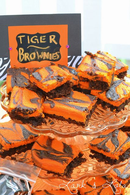 Tiger brownies for a tiger party