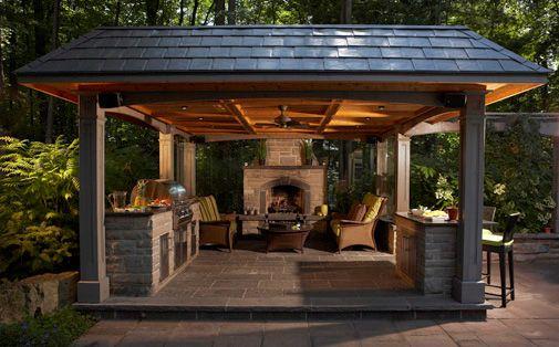 Nice outdoor living area // Great Gardens & Ideas //