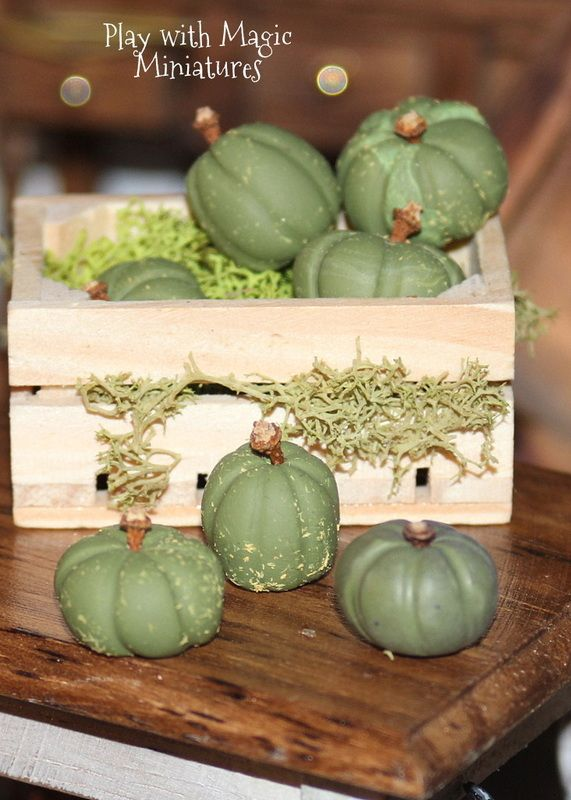 Play with Magic Miniatures - Ghoulish Green Pumplins - Witchery Halloween Decor