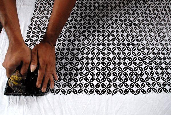 Poses Pembuatan Batik Cap Blog@ Batik.Rayana.ID | Toko Batik Online Terlengkap & Terpercaya