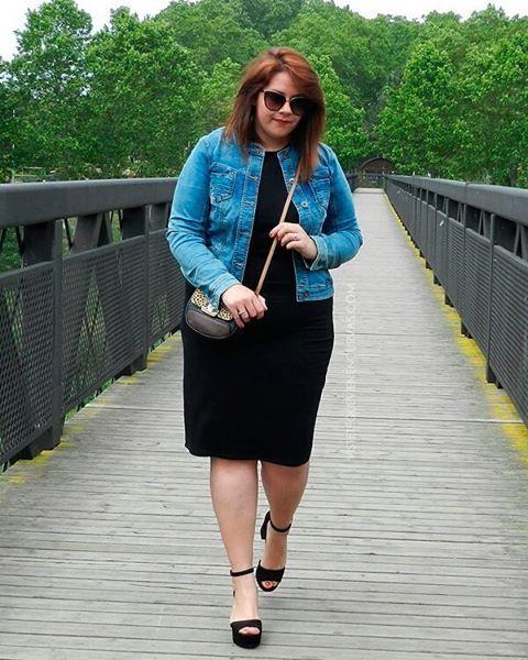 Que levante la mano la que no tenga una cazadora vaquera y un vestido básico negro en el armario 🤓  Sexy Sunday Darlings 😘😘😘 #MeQuieroQuierete #lbd #shopping  #plussizefashion #tallagrande #outfit #ootd #outfitoftheday #curvacurves #curves #curvy #curvygirl #guess #weloversize #gordibuena #stylehasnosize #Forever21Plus #navabi #bershka #personalshopper #plusmodelmag #MerkalPeople