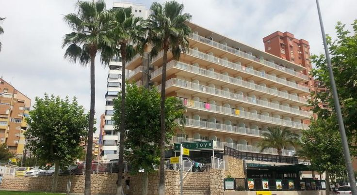 Hotel Joya Benidorm This hotel is situated 800 metres from the Playa de Levante beach and 200 metres from the Parque de l'Aiguera.  The Hotel Joya has an ideal location, near the main leisure areas and beaches of Benidorm.
