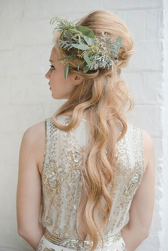 19 best images about kukkia hiuksissa on pinterest her for Nature themed wedding dress