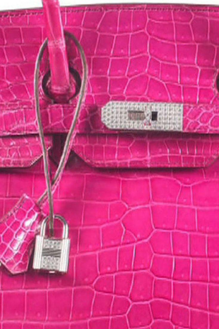 800 tysięcy złotych. Tyle kosztuje krokodyl w kolorze fuksji, diamenty i prestiż. http://www.tvn24.pl/kultura-styl,8/najdrozsza-torebka-sprzedana-na-aukcji-to-birkin-bag-hermesa,547937.html