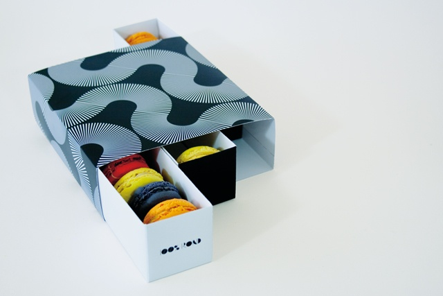 100% Rond macaroons, packaging by Maxime Brunelle