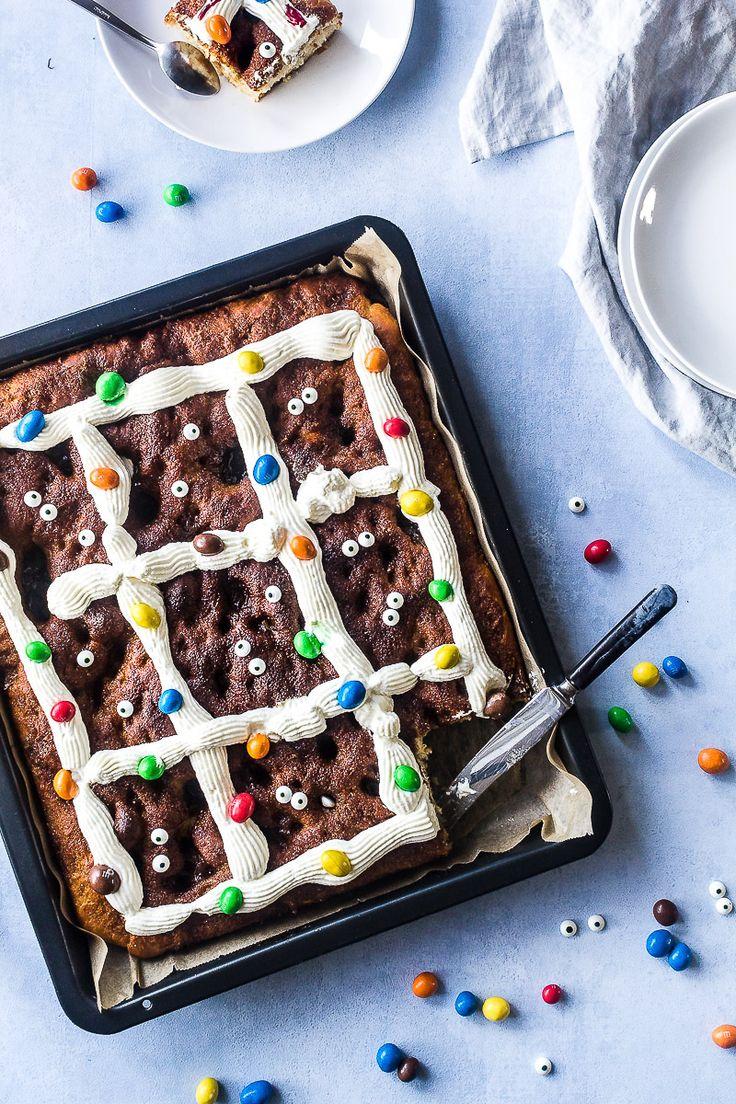 Nem opskrift på snasket brunsviger i bradepande. Bag fx. en kagemand som bageren eller spis den klassisk. Den bedste opskrift - bedre end fynsk brunsviger!