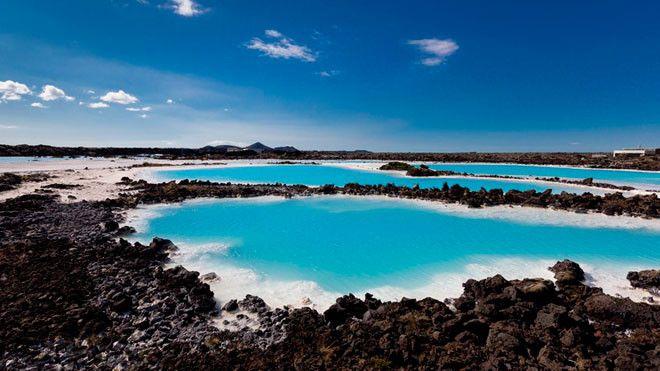 Reikianes (Islandia) célebre por sus cráteres de explosión.