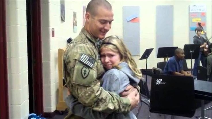 MY FAV BEST SOLDIERS COMING HOME MOMENTS I cried through the whole thing so cute!!
