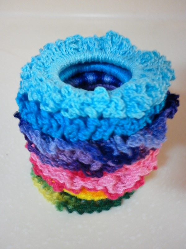 Crochet Hair Ties Pinterest : Crochet Scrunchies Crochet Accessories Pinterest Blog, Hair and ...