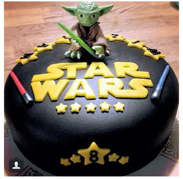 Star Wars cake - I love the little light sabers
