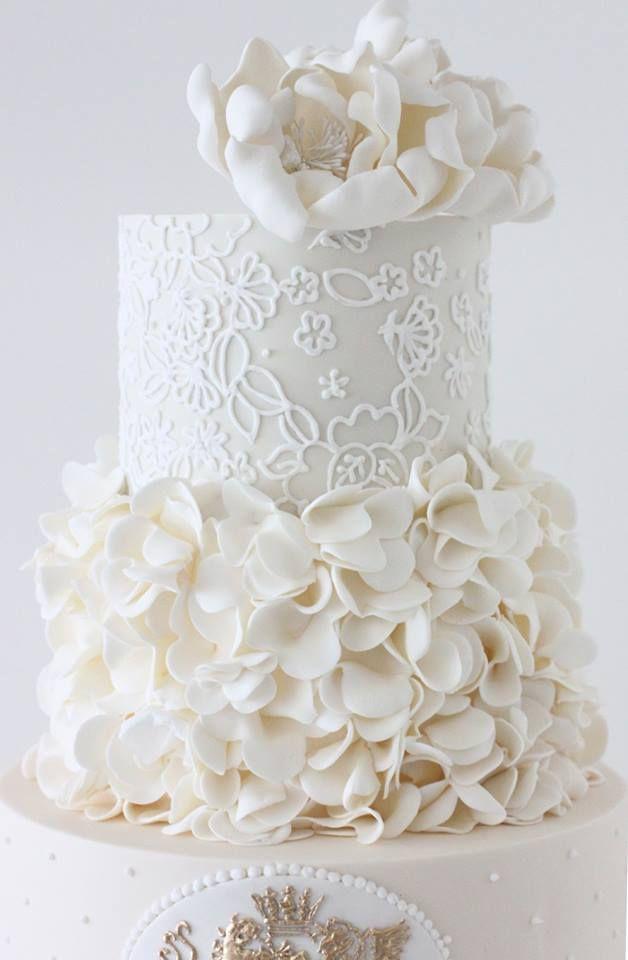 White Wedding Ideas with Elegance - MODwedding