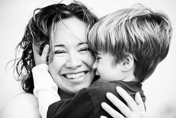 Для мамы сына нет роднее. Сын для нее -  родная кровь! Не может что-то быть сильнее, чем к сыну матери любовь! Не будет маме безмятежно. В тревоге за тебя родной, а сын шепнет на ушко нежно: Не бойся мама, я с тобой / Дети - это счастье!