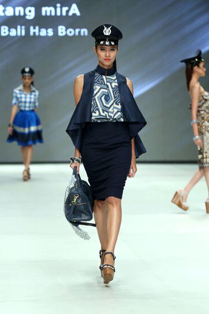 batik dress - Indonesia Fashion Week 2014