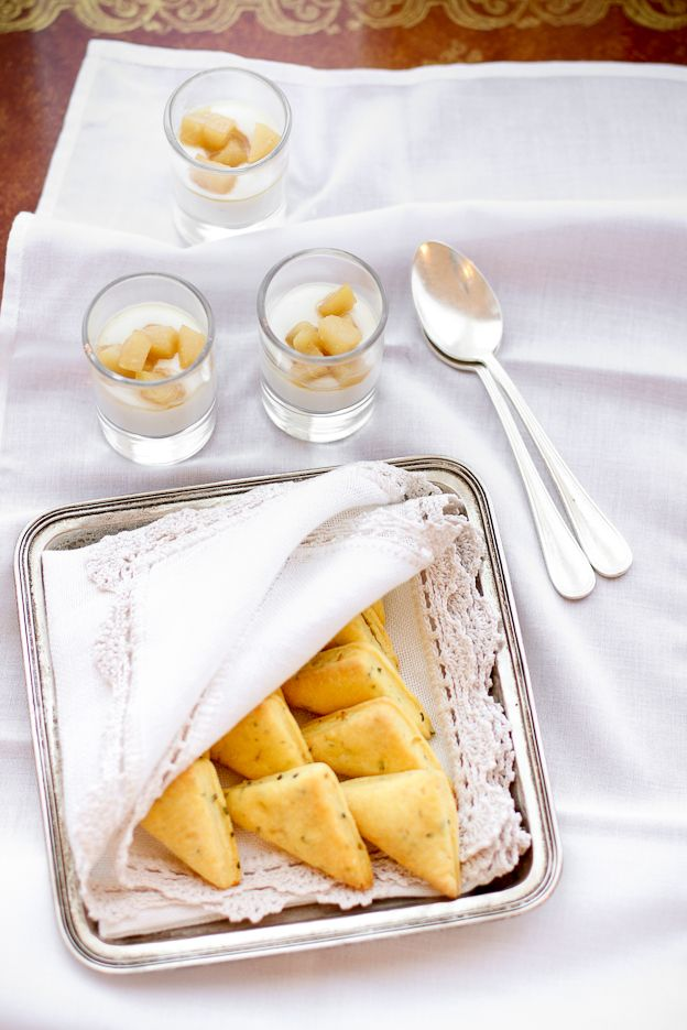 Biscotti salati robiola, limone e rosmarino - VANIGLIA - storie di cucina: Nelle cucine del Grand Hotel Rimini