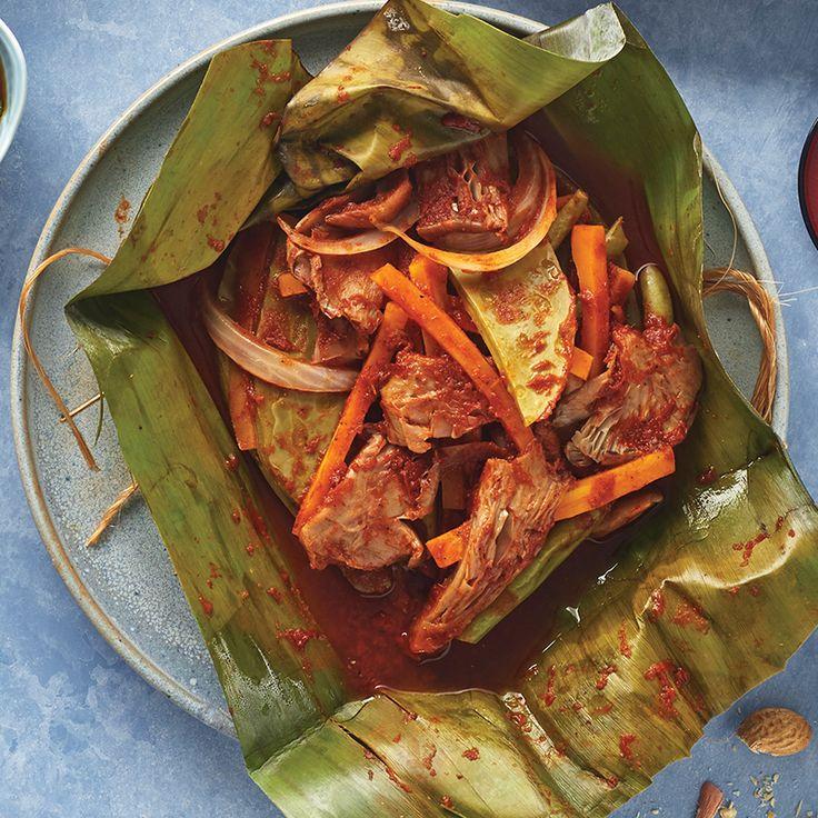 ¡Prueba la rica combinación! Zetas, nopales y zanahorias hace de éste platillo una delicia ¡Prueba mixiote vegetariano! Visita www.cocinavital.mx