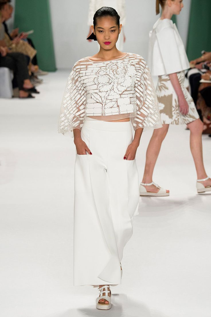 Carolina Herrera SS15 RTW Laser Cut white ensemble