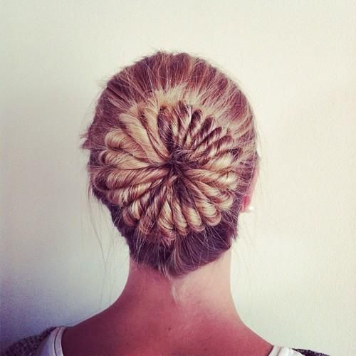 Cool Bun - Hairstyles and Beauty Tips
