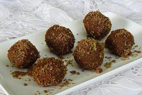 Peppermint Crisp Balls | Rainbow Cooking
