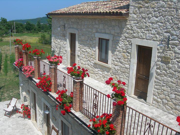ingresso in alto a sinistra della camera matrimoniale Unicorno www.borgosanmartino.eu