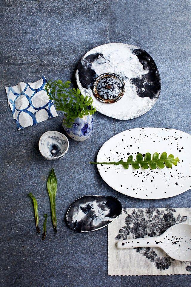 Mix botanical prints & funiture in natural materials (houseandgarden.co.uk)