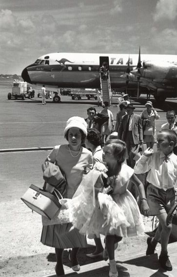 1962. Up Up and away with TAA! (Source: National Library of Australia)