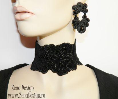Zena Design – Unique handmade jewelry! Pret: 80 lei Materiale: onix negru faţetat, mărgele de sticlă negre faţetate, margele de nisip negre, şnur soutache negru, pamblică din catifea neagră brodată…