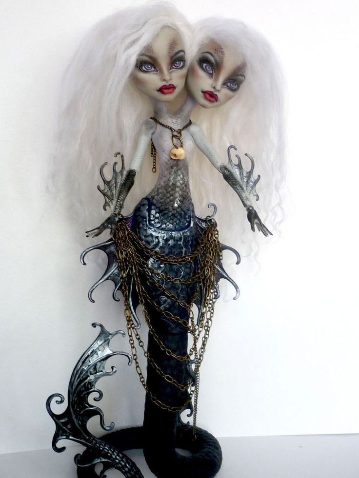 OOAK Monster High Peri and Pearl repaint by Nick-Ole