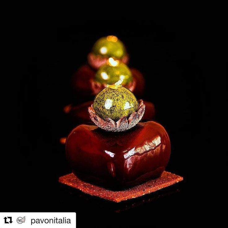 "#Repost @pavonitalia (@get_repost) @bakelikeapro  So elegant so wonderful @niksya  Individual cake ""Green pearl"" #madeinpavoni  Here the #recipe Thanks a lot!!!Composition: - chocolate pate sablee; - flourless chocolate sponge cake; - chocolate praline; - matcha creme brulee; - orange marmalade with calamansi; -  dark chocolate mousse; - glacage cookie and jelly for decoration. ---- Пирожное ""Зеленая жемчужина"". Состав: - шоколадное песочное тесто; - шоколадный бисквит без муки; - шоколадное…"